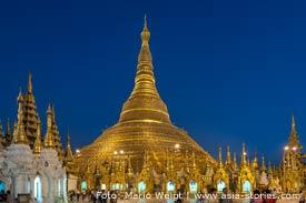 Reisetipp für Myanmar: Shwedagon-Pagode am Abend umrunden | Mario Weigt Photography