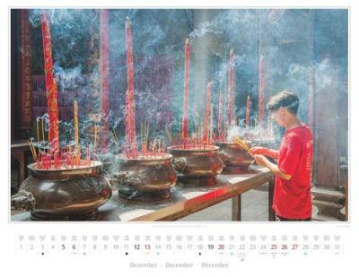 Kalender Vietnam 2015 | Räucherstäbchen in der Thien-Hau-Pagode in Ho-Chi-Minh-Stadt | Foto Mario Weigt | Kalenderverlag Stürtz