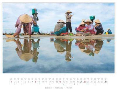 Kalender Vietnam 2015 | Weiterverarbeitung fangfrischer Muscheln in Mui Ne | Foto Mario Weigt | Kalenderverlag Stürtz