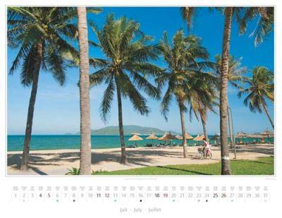 Kalender Vietnam 2015 | Palmen an der Strandpromenade von Nha Trang | Foto Mario Weigt | Kalenderverlag Stürtz