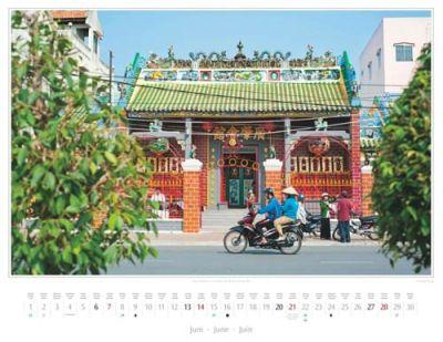 Kalender Vietnam 2015 | Ong-Tempel an der Uferstraße Hai Ba Trung in Can Tho | Foto Mario Weigt | Kalenderverlag Stürtz