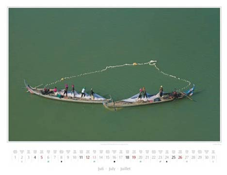 Kambodscha Kalender 2015 | Juli | Fischer in Kampong Cham | Foto Mario Weigt | Kalenderverlag Stürtz