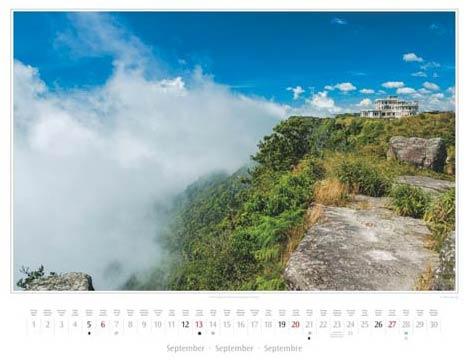 Kambodscha Kalender 2015, September: Kasino Bokor | Foto Mario Weigt | Kalenderverlag Stürtz