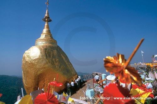 Festivals und Feiertage in Myanmar (Burma, Birma) | Goldener Felsen Kyaiktiyo | Foto: Mario Weigt