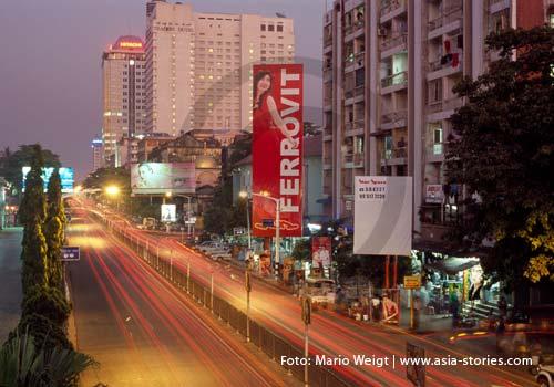 Myanmar (Burma, Birma) | Yangon am Abend | Foto: Mario Weigt