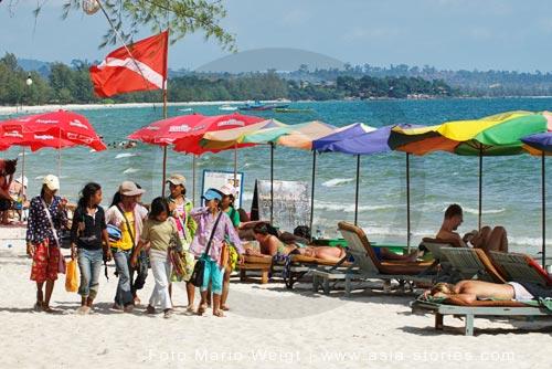 Kambodscha | Sihanoukville | Verkäufer am Serendipity Beach | Foto: Mario Weigt