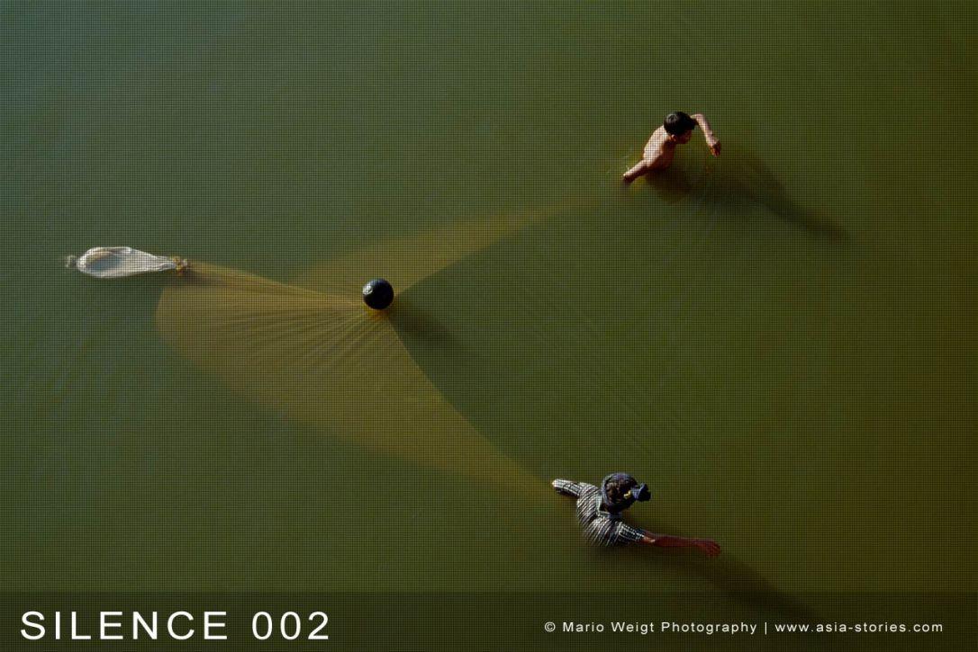 Fotoabzüge und Fine Art Prints aus der Fotoserie SILENCE | Myanmar (Burma) | Fischer in Amarapura | Foto: Mario Weigt