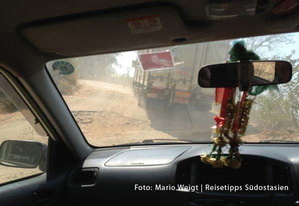 Taxifahrt von Myawaddy nach Hpa-an durch die Berge | Überland von Thailand nach Myanmar (Burma, Birma) | Grenze Thailand - Myanmar (Burma) | Mae Sot - Myawaddy