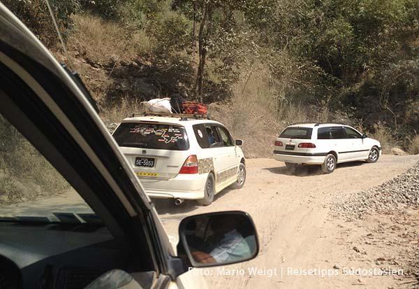Mit dem Taxi durch die Berge nach Hpa-an |Überland von Thailand nach Myanmar (Burma, Birma) | Grenze Thailand - Myanmar (Burma) | Im Taxi von Mae Sot nach Myawaddy