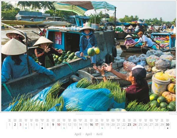 Monat April vom Vietnam Kalender 2016 | Schwimmender Markt, Phong Dien, Mekong-Delta | Fotos Mario Weigt | Verlagshaus Würzburg/Stürtz