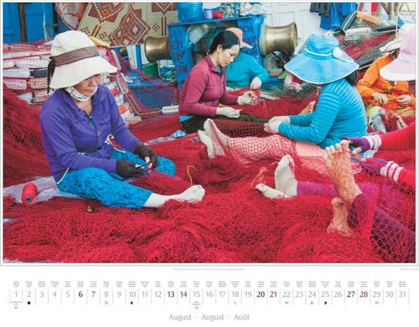 Monat August im Vietnam Kalender 2016 | Frauen auf der Insel Tan Long, Mekong-Delta | Foto Mario Weigt | Verlagshaus Würzburg/Stürtz