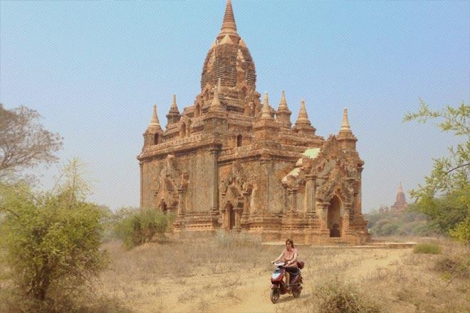 Reisetipps Myanmar (Burma): Mit dem E-Bike durch die Tempelebene von Bagan | Foto: Mario Weigt | Premium Bildband MYANMAR | BURMA | Verlagshaus Würzburg/Stürtz