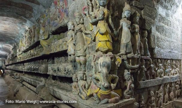 Shittaung-Tempel in Mrauk U: Relief im Rundgang