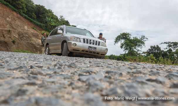 Unser Taxi von Magwe nach Mrauk U und die zwei Fahrer