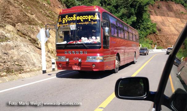Auf dem Landweg von Thailand nach Myanmar: Bus nach Yangon auf der neuen Straße von Mae Sot (Thailand)   Myawaddy (Myanmar) nach Hpa-an bzw. nach Mawlamyaing