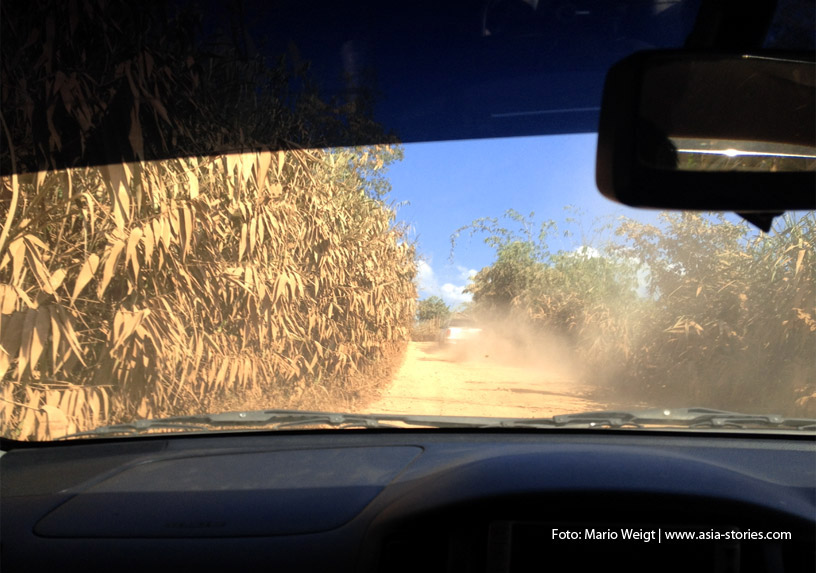 Auf dem Landweg von Dawei (Myanmar) über die Grenze Htee Khee / Phu Nam Ron nach Kanchanaburi (Thailand)