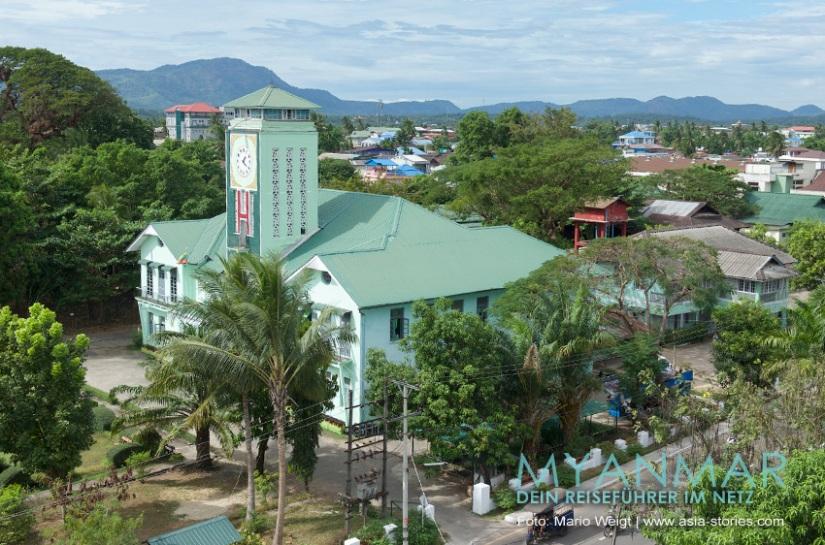 Reisetipps Myanmar - Dawei und die Strände | Das Rathaus von Dawei wurde 1941 erbaut.