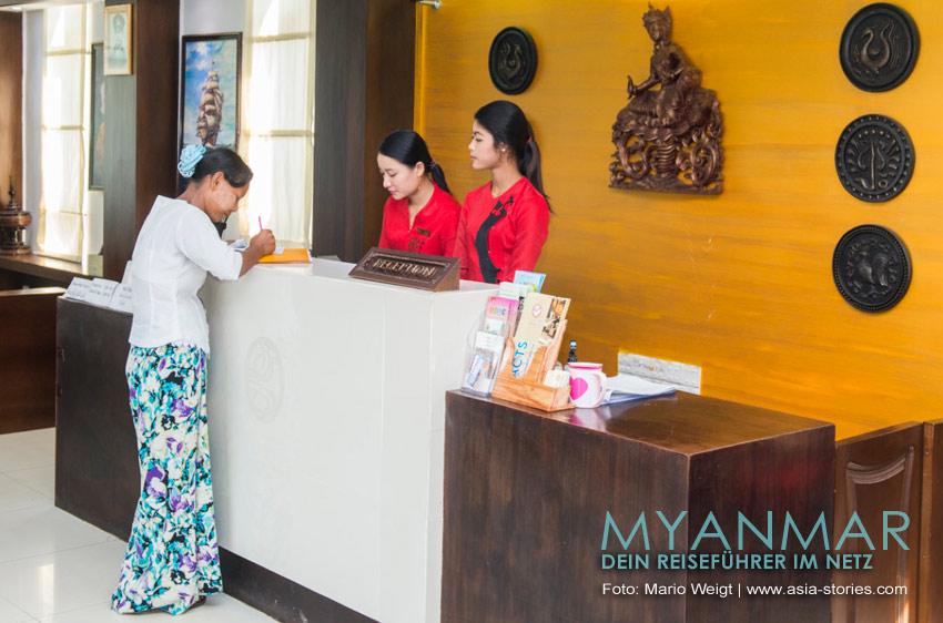 Reisetipps Myanmar - Dawei und die Strände | Rezeption im Hotel Golden Guest Hotel