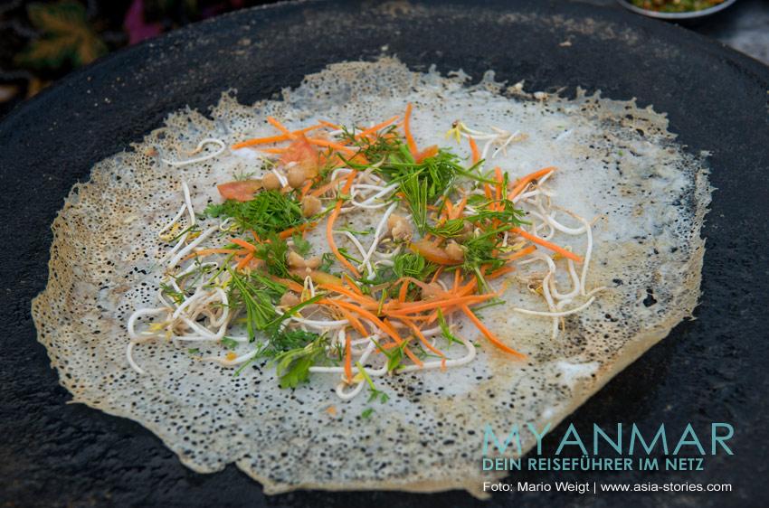 Myanmar Reisetipps | Essen und Snacks | Crepes mit Gemüsefüllung