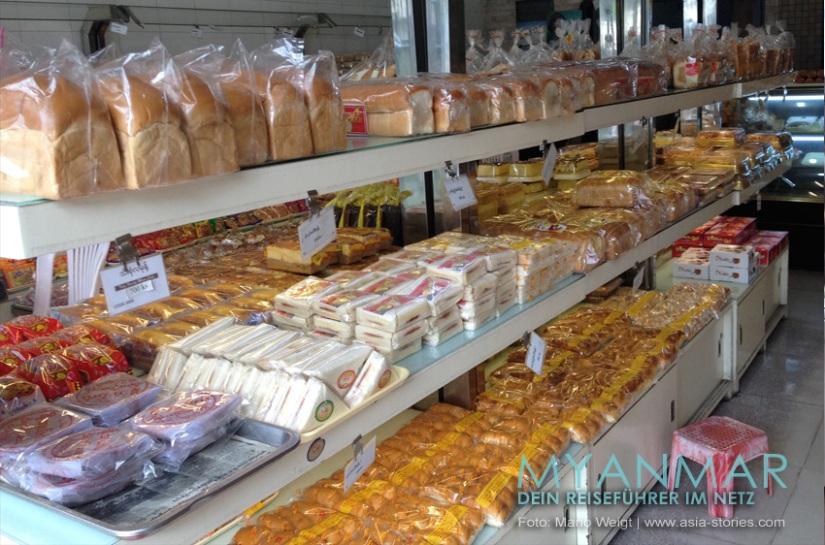 Reisetipps Myanmar - Mandalay   Gebäck und Brot im Noble Cake