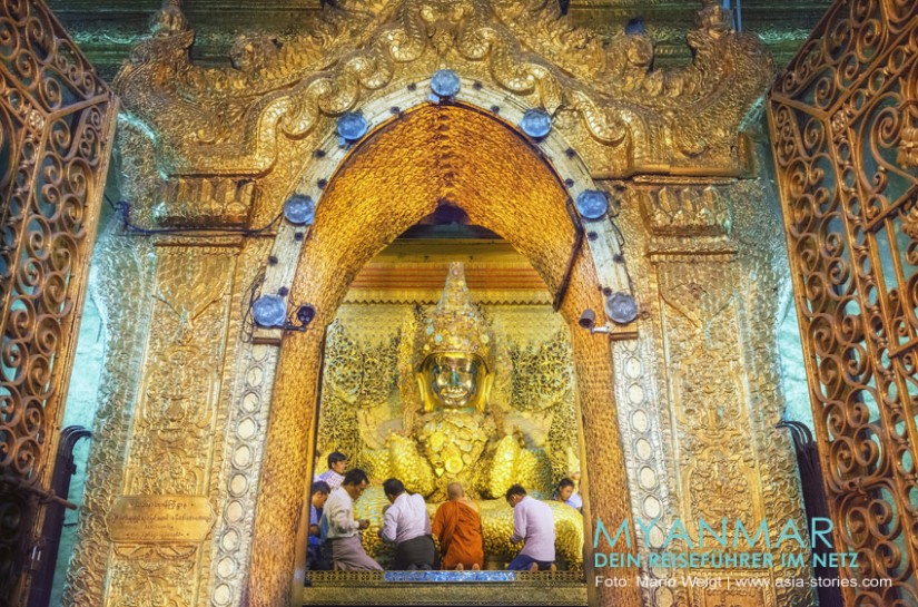 Myanmar Reisetipps - Mandalay   Goldener Buddha in der Mahamuni-Pagode