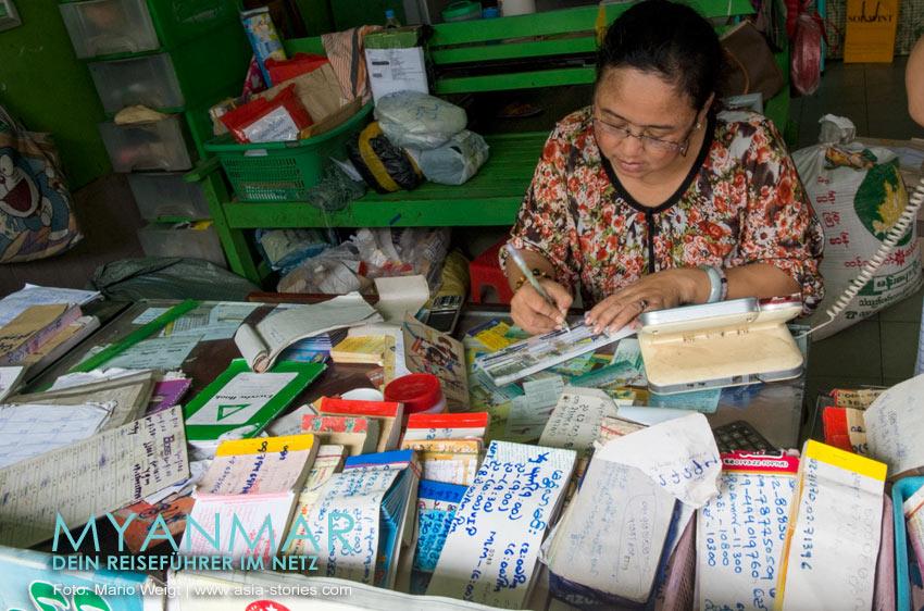 Myanmar Reisetipps - Mandalay | Bustickets gibt es im Ko Htay Express Travels Services