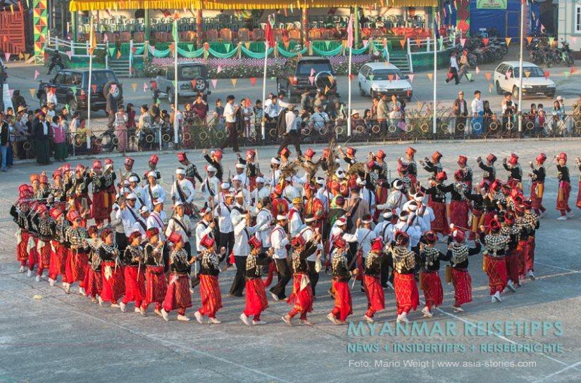 Myanmar Reisetipps | Myitkyina | Manaw Fesitval im Januar