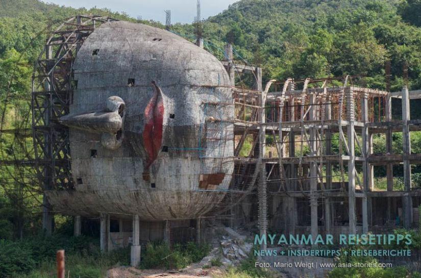 Myanmar Reisetipps   Mawlamyaing (Mawlamyine)   Neubau eines liegenden Buddhas nahe Mudon