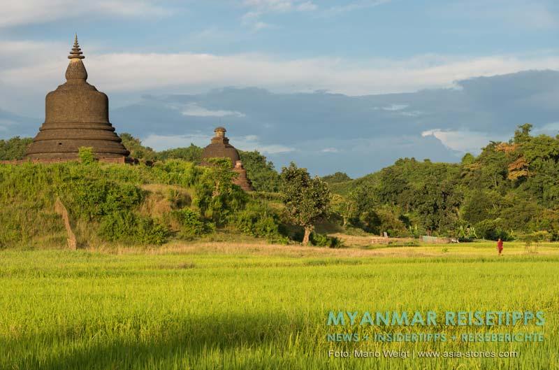 Myanmar Reisetipps | Mrauk U | Mönch auf dem Weg in sein Kloster