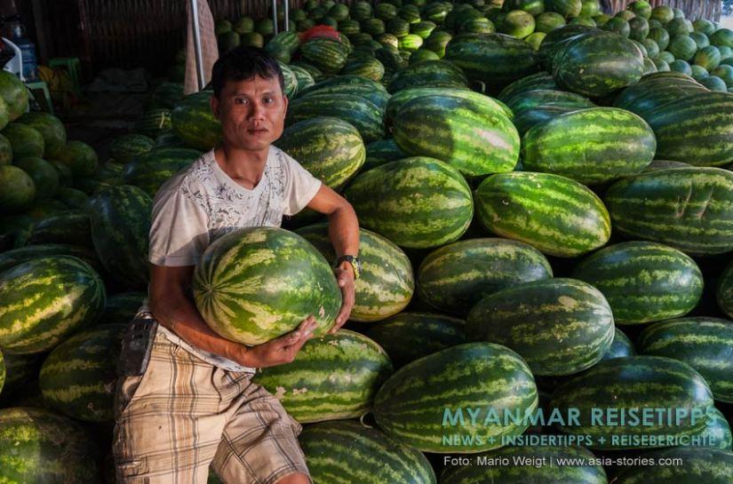 Myanmar Reisetipps   Mawlamyaing (Mawlamyine)   Melonen auf dem Markt