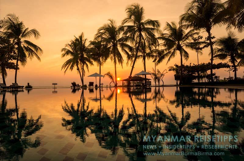 Myanmar Reisetipps   Ngwe Saung Beach (Silberstrand)   Sonnenuntergang hinter dem Pool vom Aureum Palace Resort und Hotel