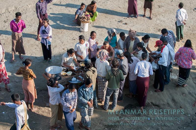 Myanmar Reisetipps | Flussfahrt Bhamo nach Mandalay | Zwischenstopp für den Verpflegungsnachschub