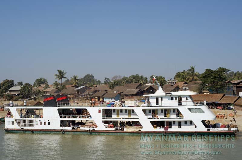 Myanmar Reisetipps | Flussfahrt Bhamo nach Mandalay | IWT-Fähre in Richtung Bhamo