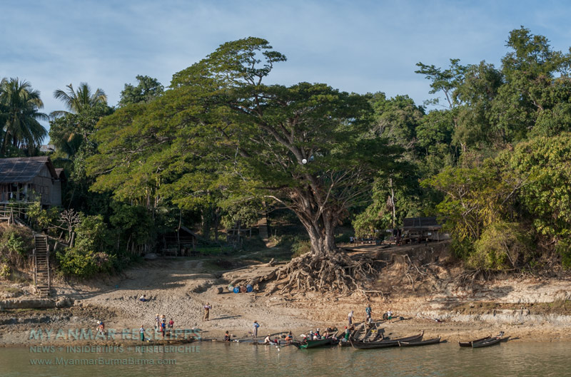 Myanmar Reisetipps | Flussfahrt Bhamo nach Mandalay | Dorfleben am Ufer des Ayeyarwady