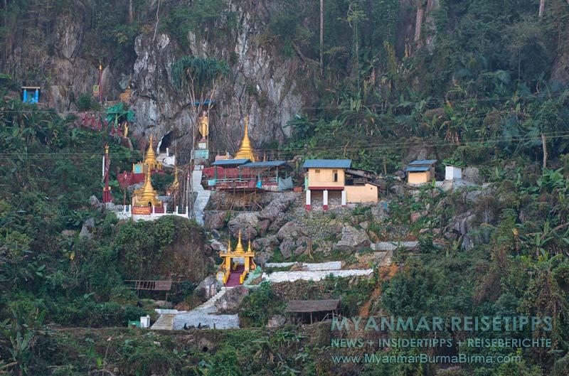 Myanmar Reisetipps | Flussfahrt Bhamo nach Mandalay | Peacock-Kloster an der Felswand bei Sinkhan