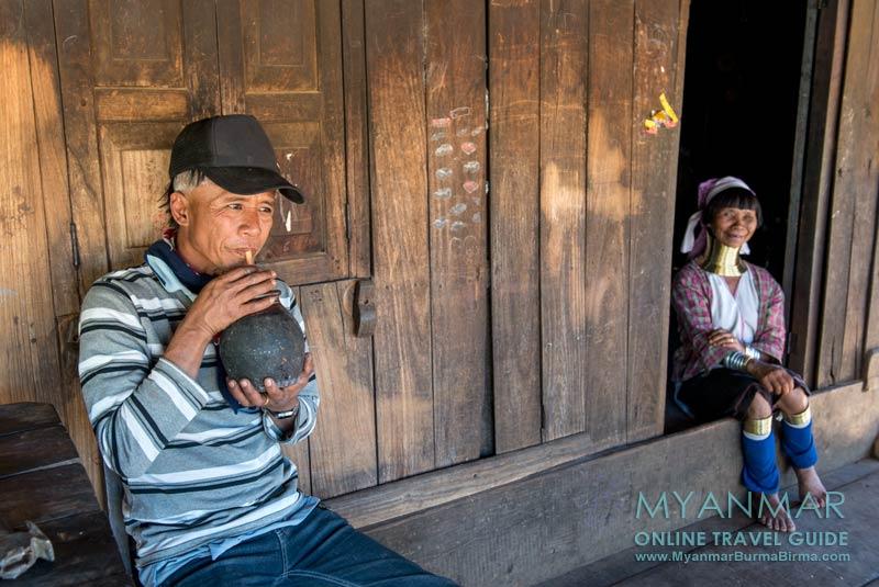 Myanmar Reisetipps   Loikaw   Im Dorf Pan Pet bei den Kayan