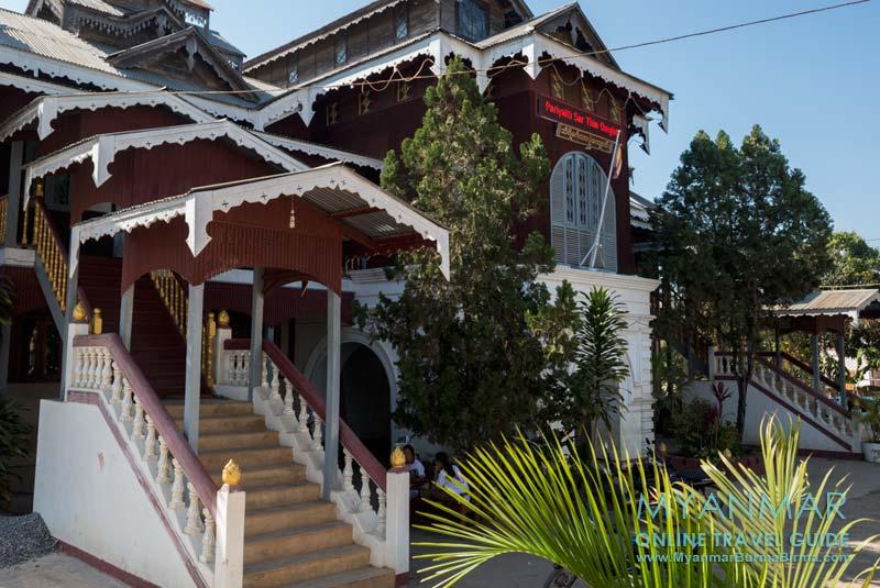 Myanmar Reisetipps   Loikaw   Fürsten-Palast Thiri Mingalar Haw