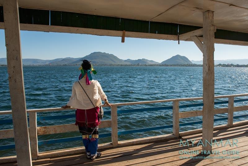 Myanmar Reisetipps   Loikaw   Um nach Pan Pet zu gelangen, muss man an diesem Stausee recht abbiegen.