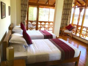 Myanmar - Loikaw Lodge