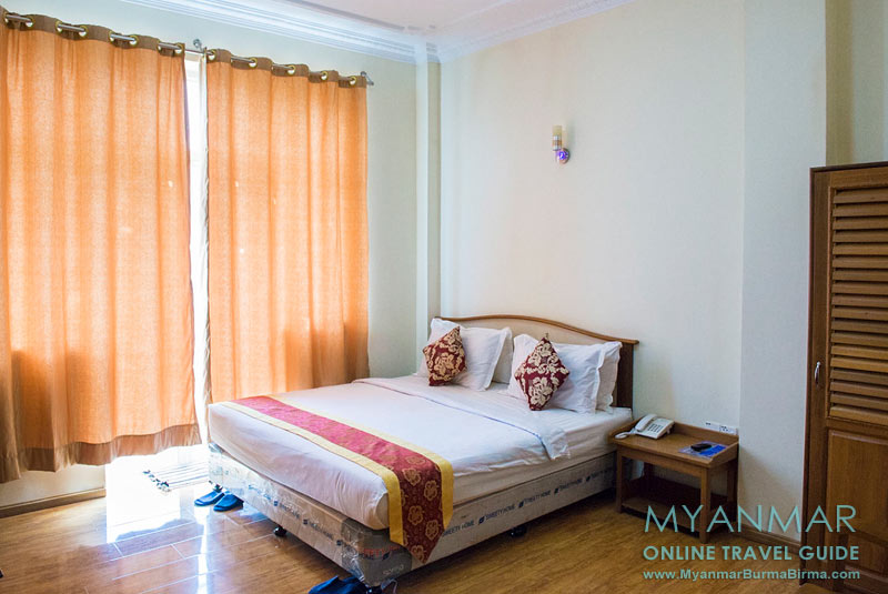 Myanmar Reisetipps | Dawei | Zimmer 212 im Diamond Crown Hotel