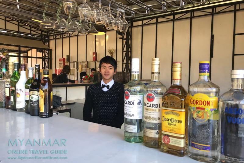 Myanmar Reisetipps | Pyin U Lwin | VIP Café + Bistro