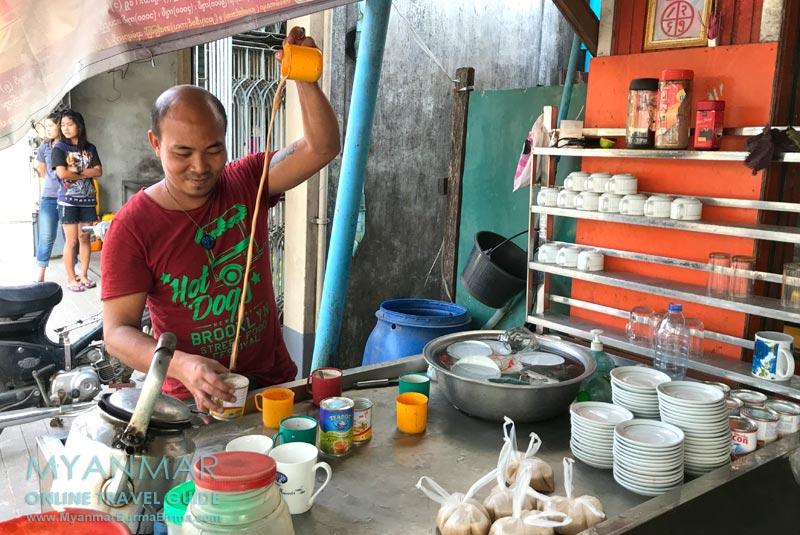 Myanmar Reisetipps | Dawei | Milchtee in der Arzarni Road