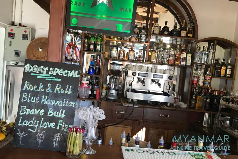 Myanmar Reisetipps | Red House - Bar und Restaurant