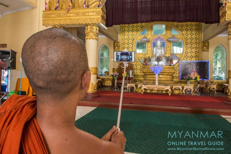 Myanmar Reisetipps | Thaton | Perlmuttfarbene Buddha-Statue in der Pagode Shwezayan