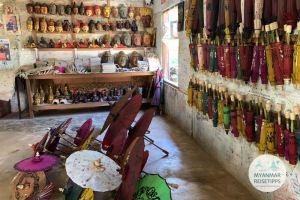 Myanmar Reisetipps   Pindaya   Aung Umbrella Shop