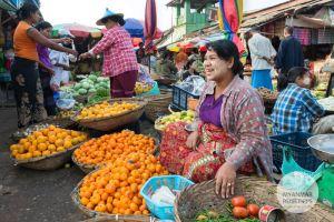 Myanmar Reisetipps | Hpa-an | Morgenmarkt gegenüber der Moschee