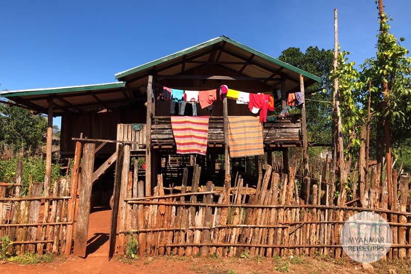 Myanmar Reisetipps | Loikaw | Typisches Haus in Daw Ta Ma Gyi