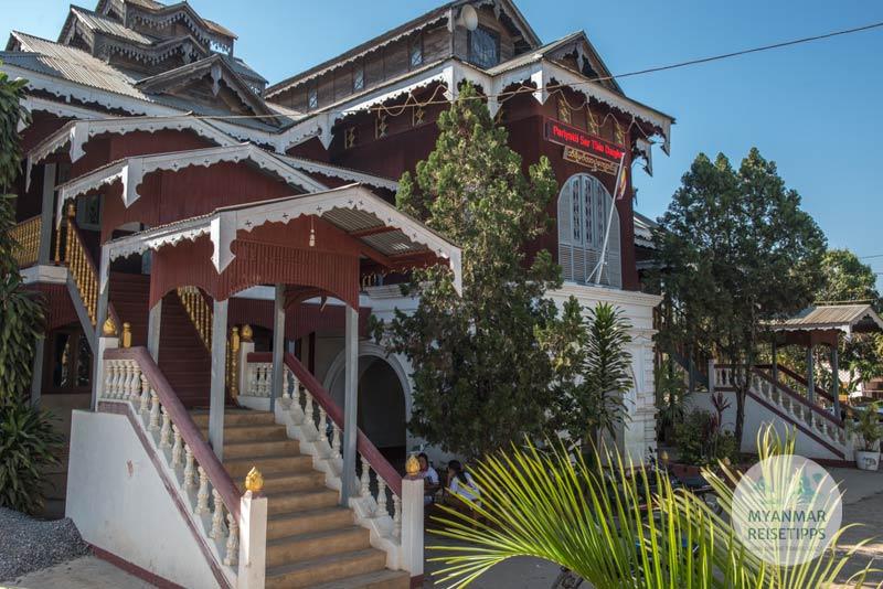 Myanmar Reisetipps | Loikaw | Fürsten-Palast Thiri Mingalar Haw