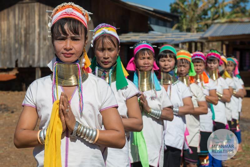 Myanmar Reisetipps | Loikaw | Im Dorf Pan Pet bei den Kayan Lahwi (Padaung)