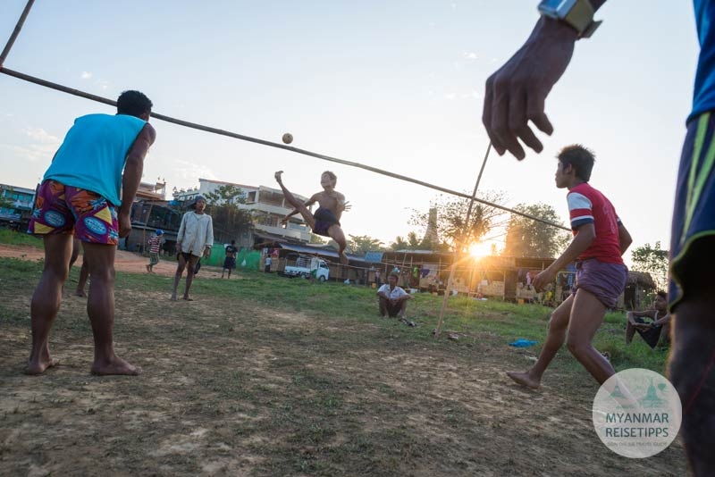 Myanmar Reisetipps | Festival | Chinlon-Fest in Mandalay